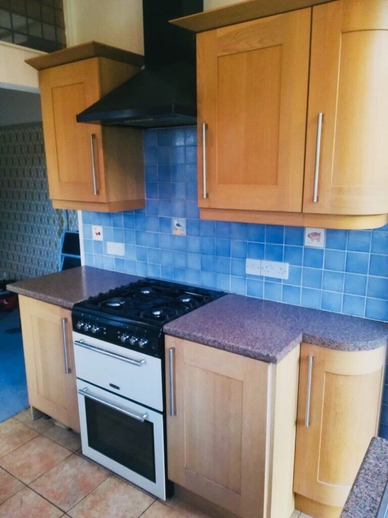 Kitchen Cabinets, sink and worktop for sale   in Westbury ...