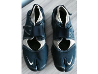Nike rift shoes,U.K. Size 6, worn few times,exactly as seen in pics,quick sale at £25