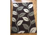 Large Brown and Cream Trailing Leaves Rug - Excellent Condition