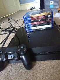 PS4 500GB + Games.