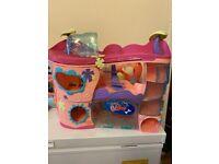 Bundle of littlest pet shop toys