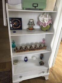 Very pretty small bookcase