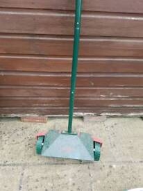 Lawn spike roller new
