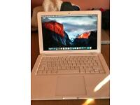 """Macbook 13"""" mid 2010 2.4Ghz Intel Core 2 Duo"""