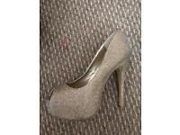 New Looks Heels, size 5