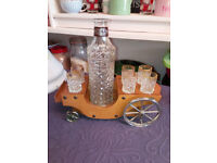 Kitsch Retro Decanter and Shot Glasses Set in Carriage