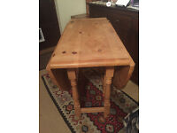 Solid pine fold out table