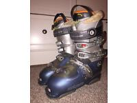 Salomon women's ski boots size 5.5