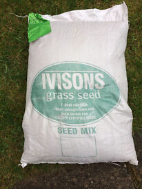 Large bag of lawn grass seed - 10Kg - NEW & UNOPENED.