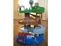 Fab Thomas the Tank Engine Train ramp set with five character trains