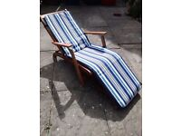 Steamer style outdoor reclining chair