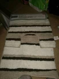 Bathroom mat sets