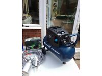 Small compressor with accessories many of which are unused,so everything in excellent order.