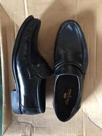 Men's - Black slip-on shoes