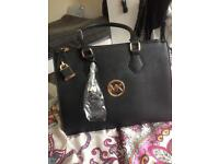 Matching bag nd purse set