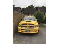 Dodge Ram 1500 pick up (RUMBLE BEE)