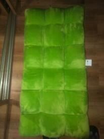 Birdrock Gaming chair -floor -memory foam
