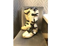 White O'Neal moto cross boots size 5