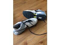 Men's Nike tennis shoes size 10