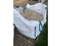 Limestone Buff Chippings (white garden stones / chuckies(