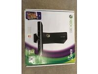 XBOX 360 KINECT WITH 7 GAMES