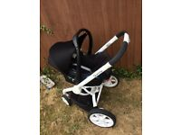 Free for collection Quinny moodd frame with maxi cosi seat
