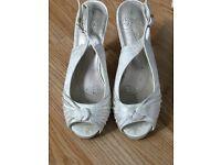 Ivory bridal shoes size 6
