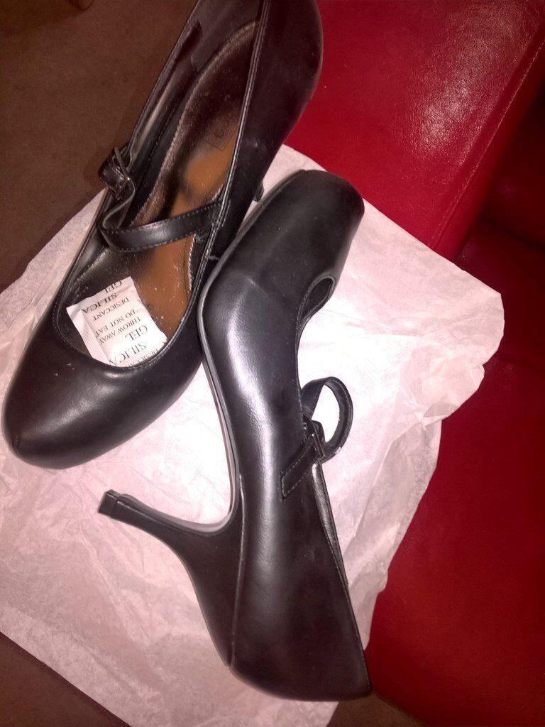 BN Ladies Black shoes 7s BNIB Mens Brown boots 8s