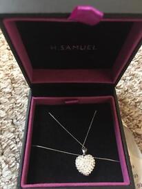 Brand New: H Samuel heart pendant necklace