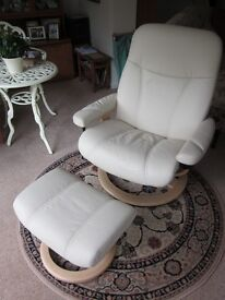 Ekorness Stressless cream leather recliner chair and footstool