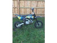 Lucky mx pit bike 140cc only used 4 times