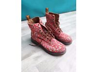 Ladies size 5 Dr Martens in rare floral print
