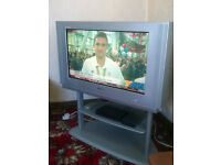 "SAMSUNG PLANO 30"" CRT TV plus remote and stand"