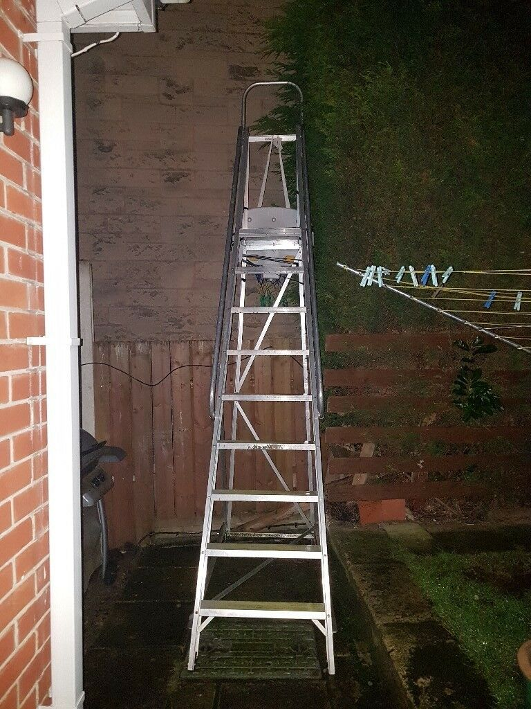 very large step ladders