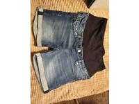 H and M Maternity shorts size 12