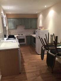 3 bedroom house for rent. Close to all locate amenities *rent reduced to £650*