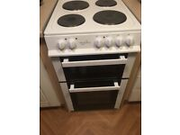 Electric cooker excellent condition. Barely used