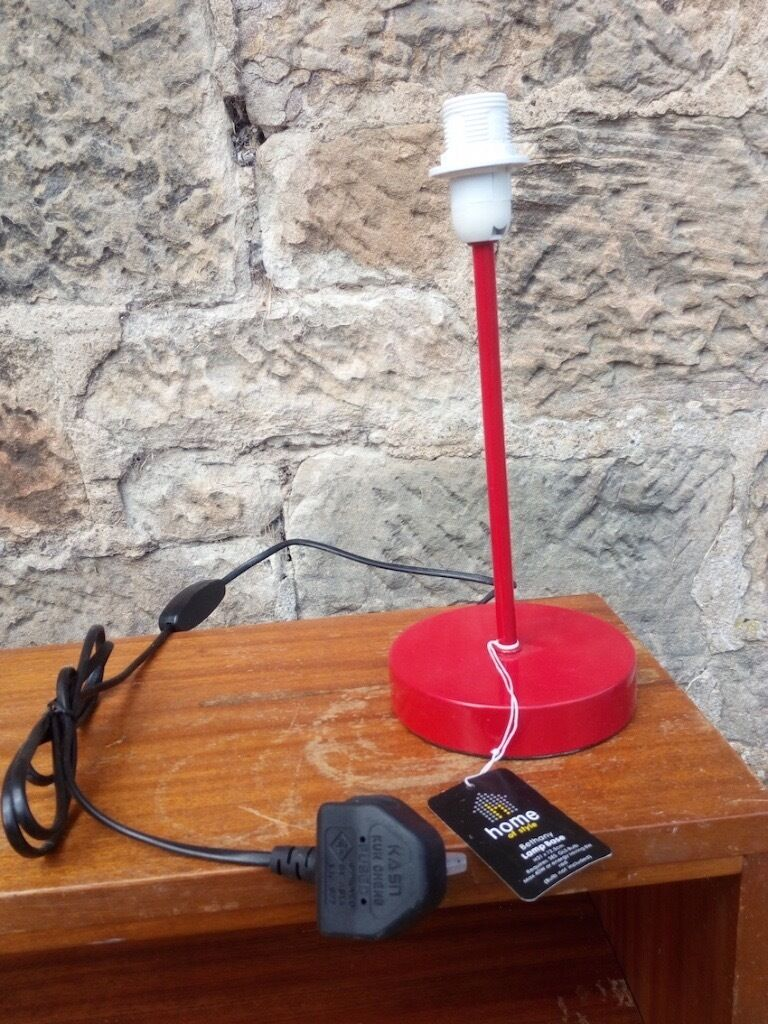 Red lamp base