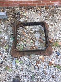 Heavy duty manhole