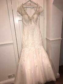 Brand new mermaid wedding dress size 12