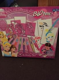 DISNEY PRINCESS BLO PENS ACTIVITY SET