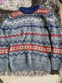 Christmas style boys jumper 8-9