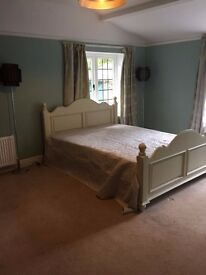 2 large double rooms to rent in shared house.