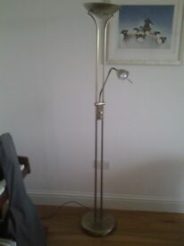 Floor lamp. Dimmable light for upright and task lighting