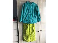 Girls ski jacket and matching sallopettes age 7-8
