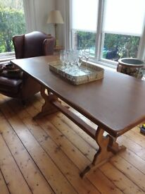 Solid Wood Table Great Quality And In Very Good Condition