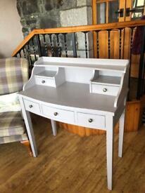 Beecher desk