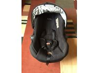 Baby car seat age 0/15 months.used twice excellent condition comes with head support cushion