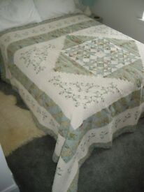 REDUCED Bedspread quilted effect and very decorative