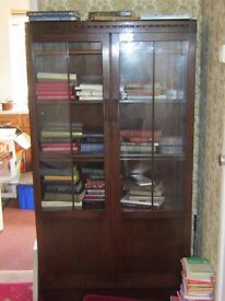 WOODEN BOOKCASE WITH GLASS DOORS. ADJUSTABLE SHELVES. FREE